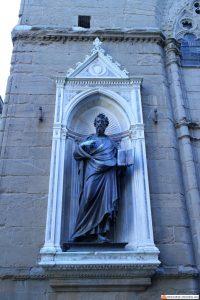the works of lorenzo di cione ghiberti Lorenzo di cione ghiberti † catholic encyclopedia lorenzo di cione ghiberti sculptor b at florence about 1381 d there, december, 1455 he ushered in the early .