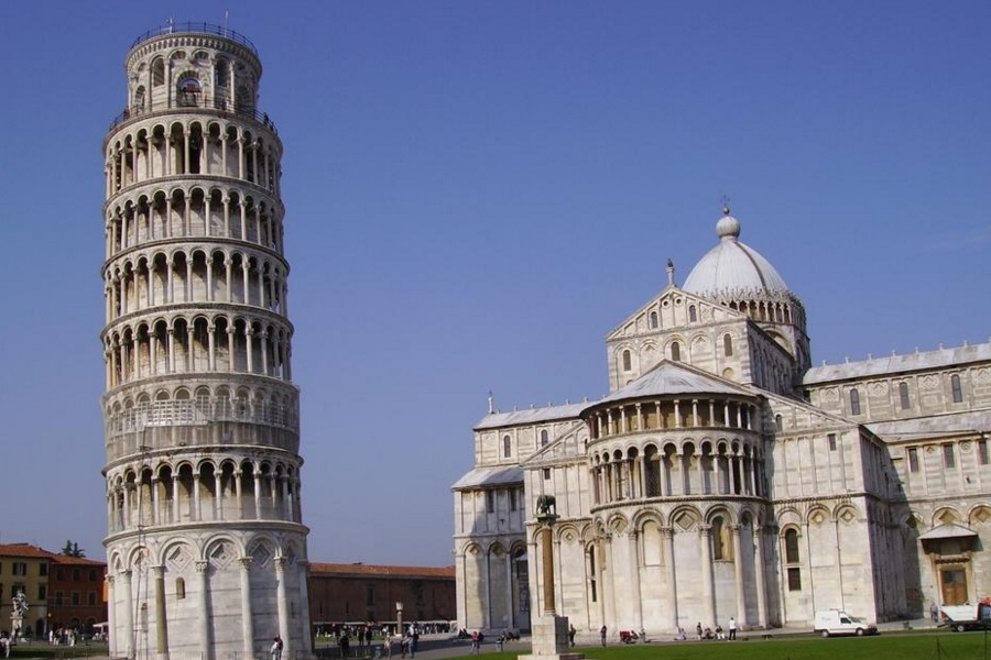 How to choose a Pisa tour from Florence Italy